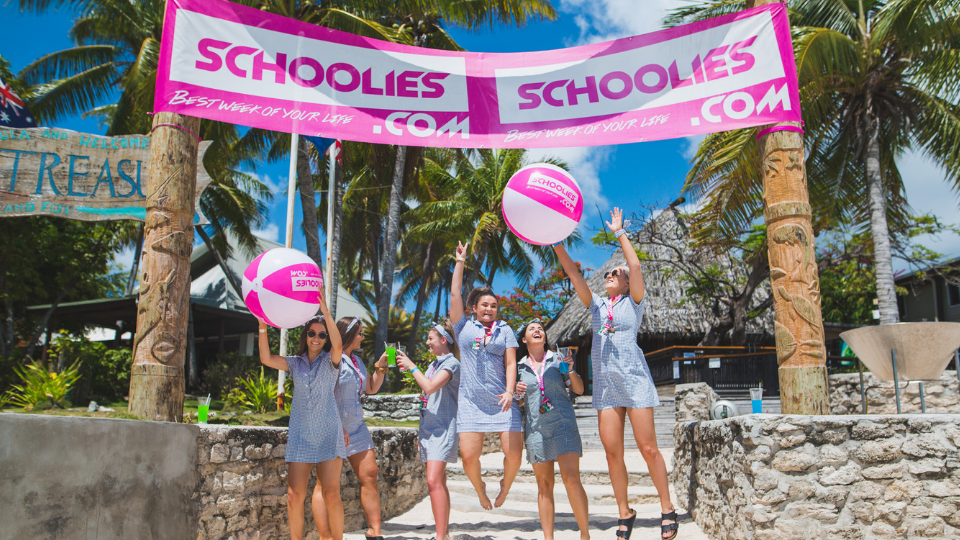 Entrace-to-Schoolies-in-Fiji.png