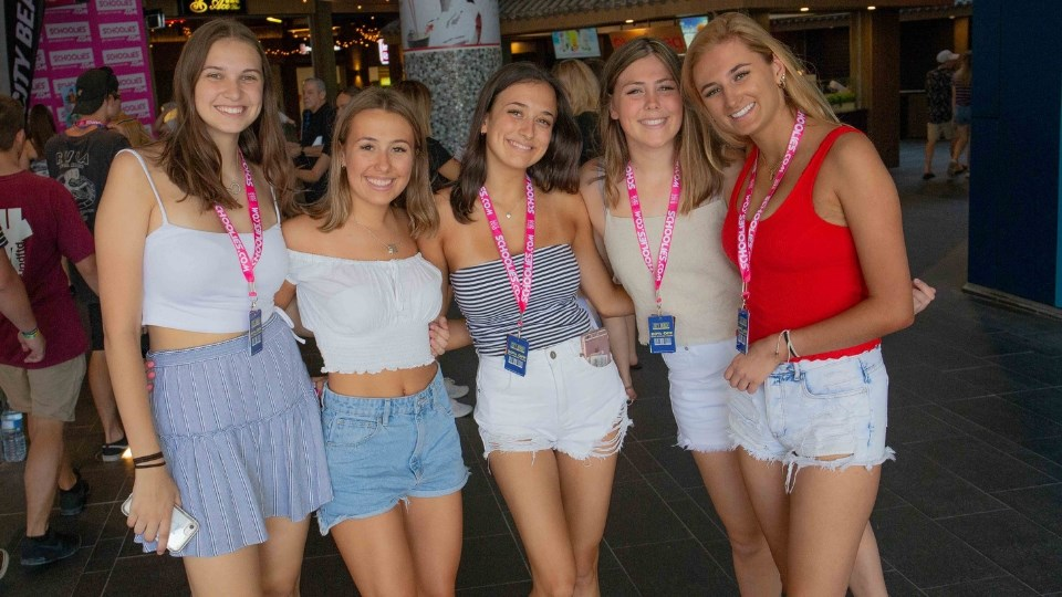 Gold-COast-Schoolies-Girls-at-Schoolies-Central.jpg