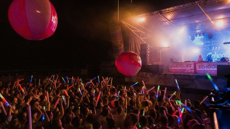 Schoolies-Nation-Beach-Festival-(2).jpg