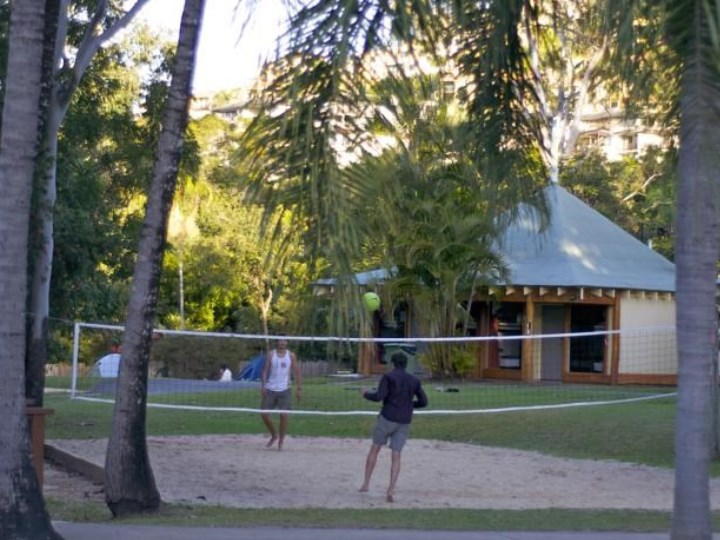 Nomads Airlie Beach - Volley Ball Court