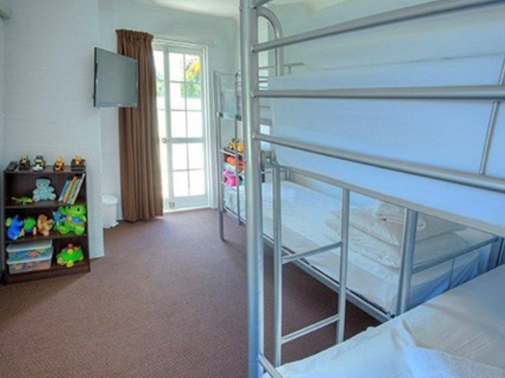 Wollongbar Motel - Bunk Bed