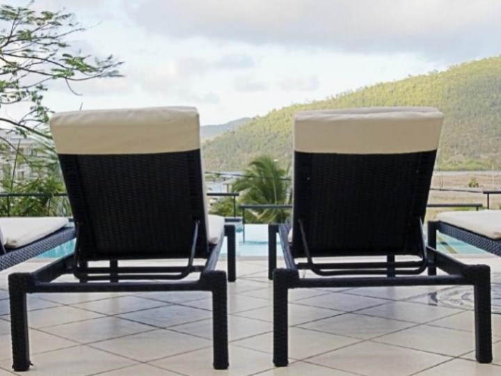 Waterfront Whitsunday Retreat - Deck Chairs