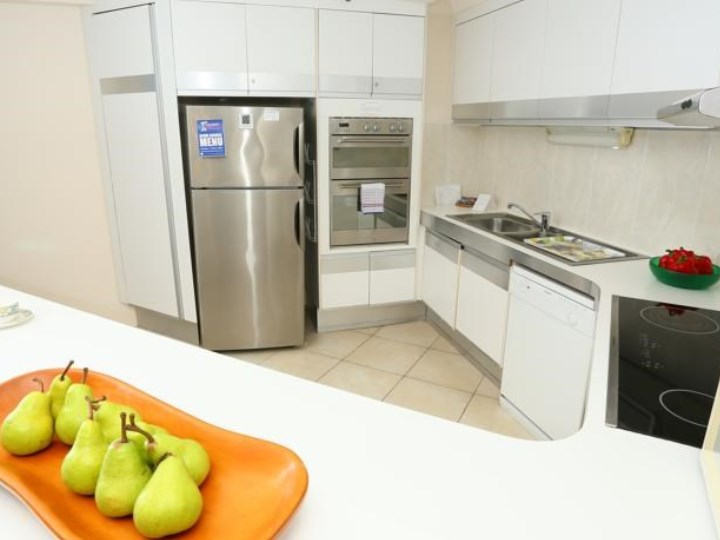 Biarritz Apartments - Kitchen