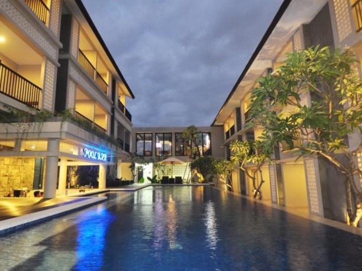 Grand Barong Resort - Swimming Pool