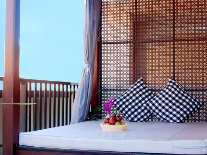 Grand Barong Resort - Day Bed