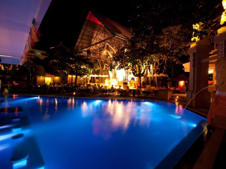 The Bounty Hotel Including Flights - Pool Night View