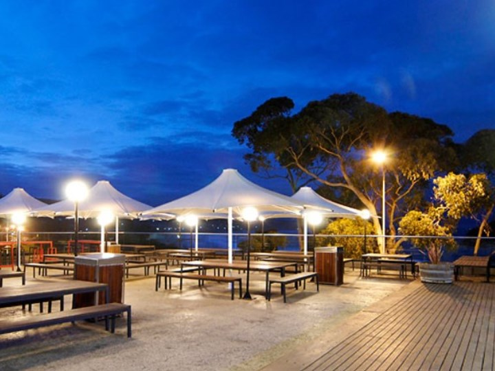 Lorne Hotel - Outdoor Area
