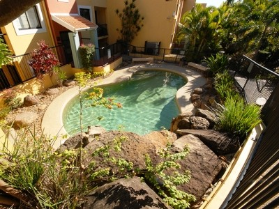 Magic Mountain Resort Apartments Pool