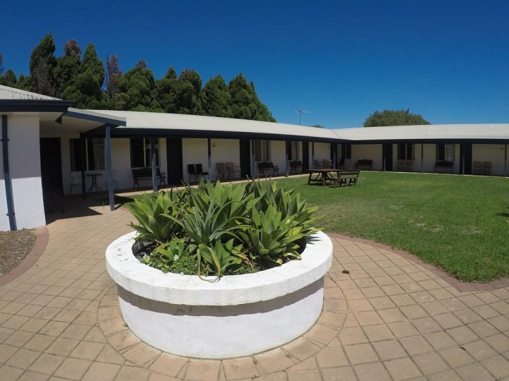 Busselton Ithaca Motel, Dunsborough Leavers