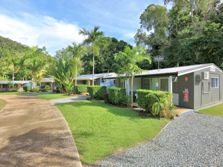Flame Tree Village, Airlie Beach