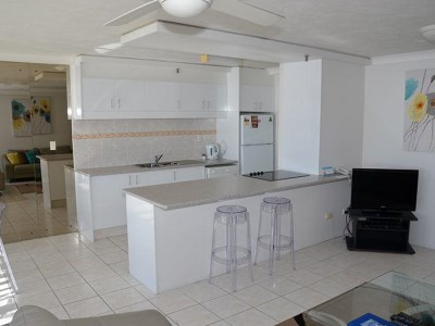 Zenith Oceanfront Apartments - Kitchen and Living Area