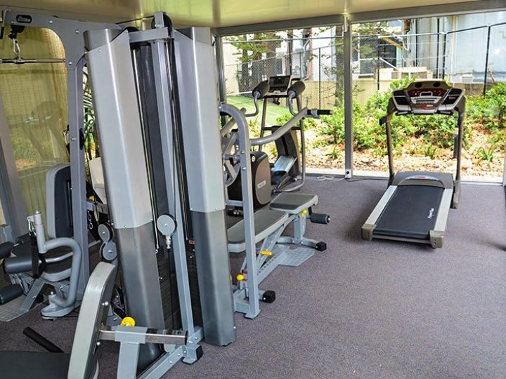 Zenith Oceanfront Apartments - Gym