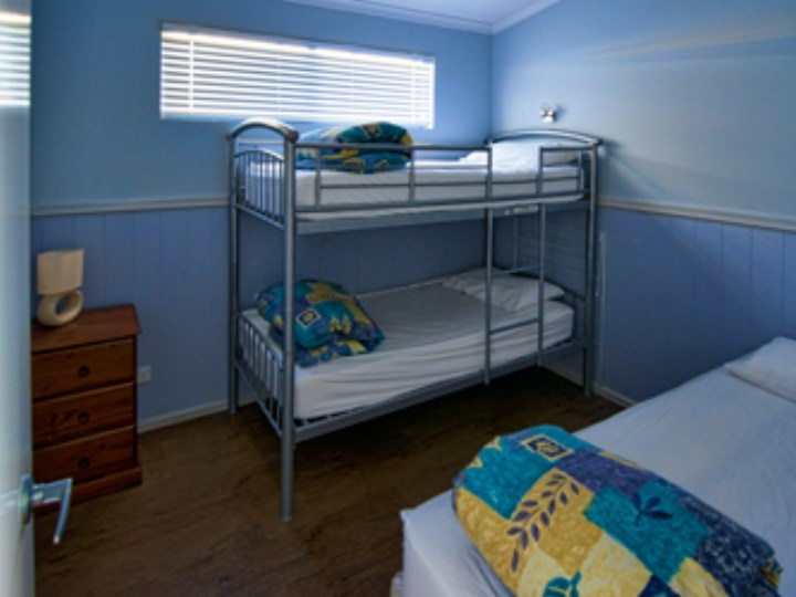 Busselton Holiday Village - Chalet Room