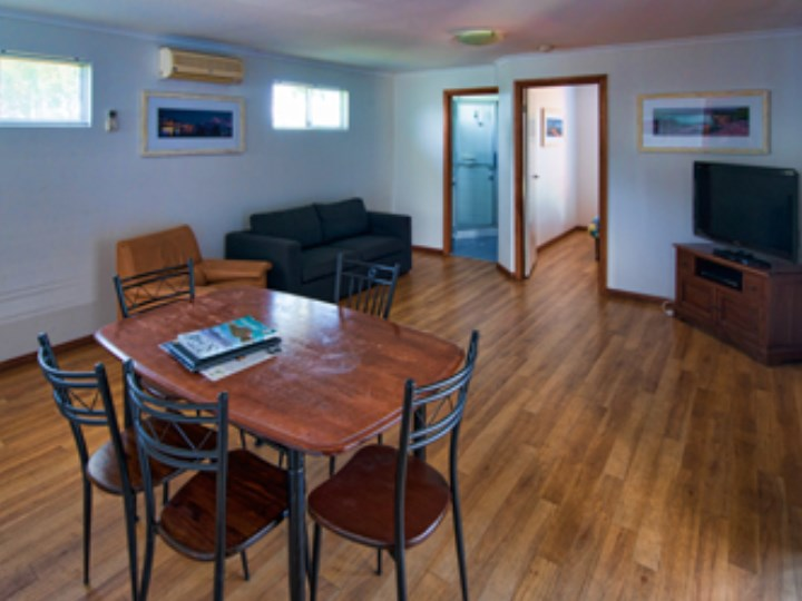 Busselton Holiday Village - Chalet Lounge