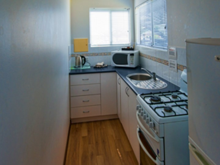 Busselton Holiday Village - Chalet Kitchen