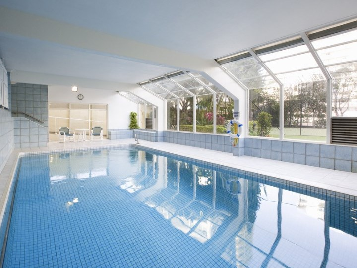 Breakfree Beachpoint - Indoor Pool