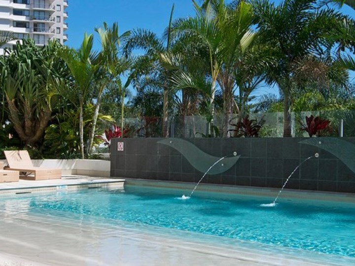 Wyndham Surfers Paradise Resort - Swimming Pool