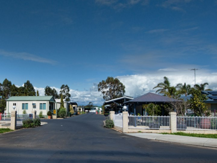 Busselton Holiday Village - entrance