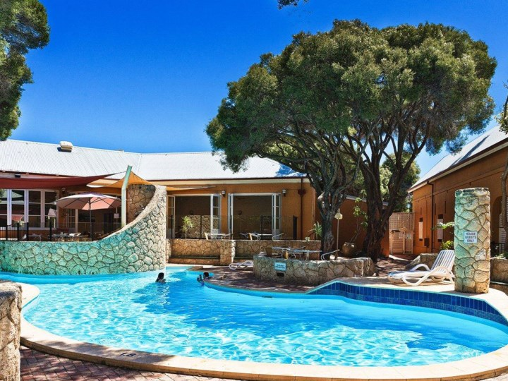 Rottnest Lodge - Swimming Pool