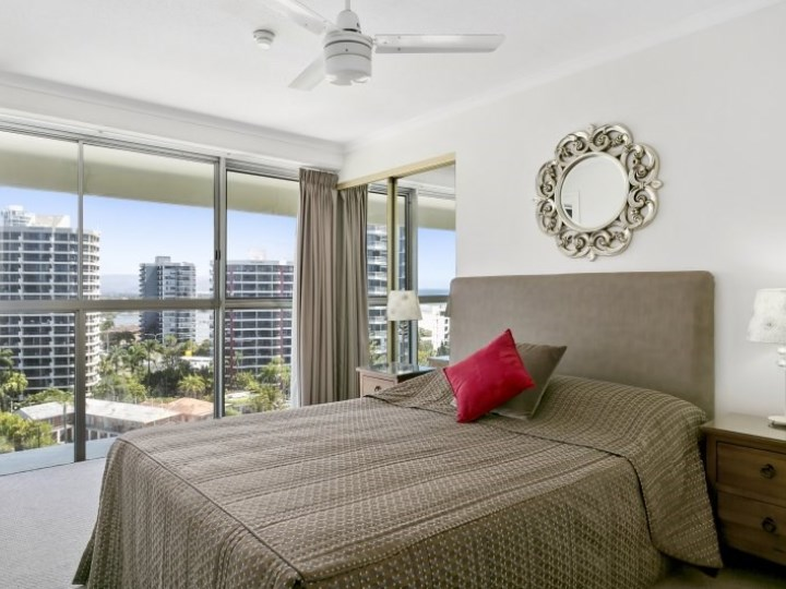Surfers Beachside Holiday Apartments - Room