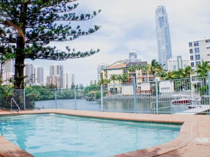 Surfers Riverside Holiday Apartments - Pool