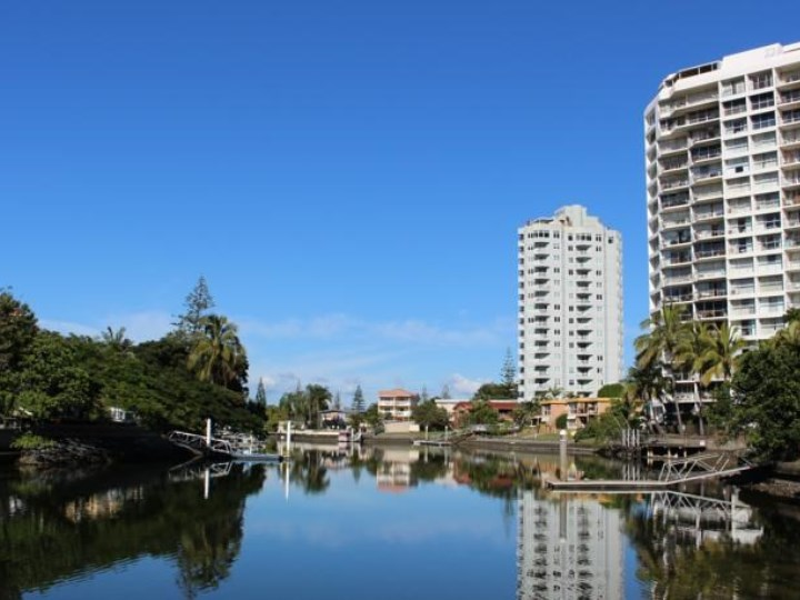 Surfers Riverside Holiday Apartments - River Views
