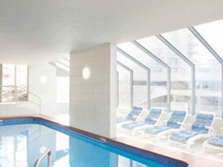 Beachcomber Surfers Resort - Indoor Pool