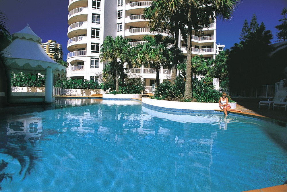 Schoolies gold coast breakfree moroccan accommodation for Pool design gold coast