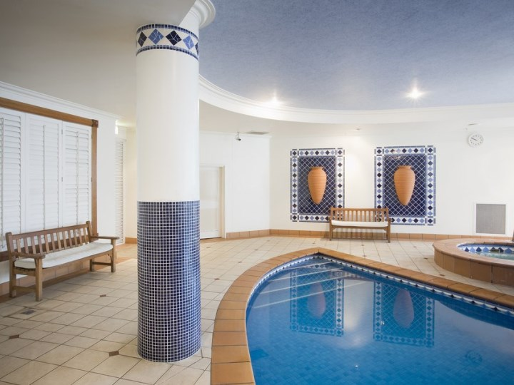 Breakfree Moroccan - Indoor Pool