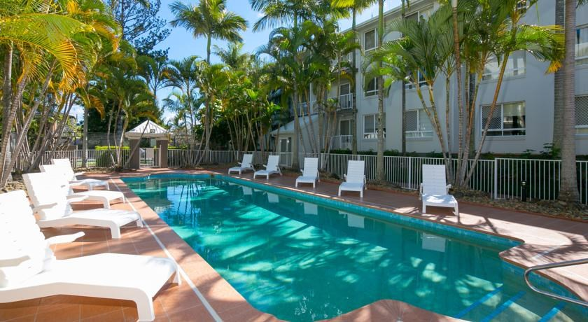 Schoolies Gold Coast Bay Lodge Apartments Accommodation ...